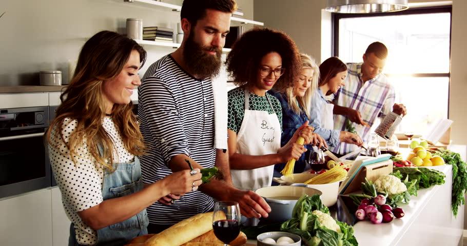 Gemeinsam kochen leute kennenlernen